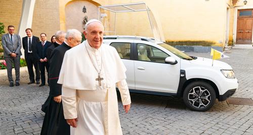 """Su Santidad el Papa Francisco ante el """"Daciamóvil"""""""
