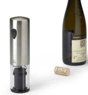 Bomba manual para extraer o introducir aire en las botellas, según mejor convenga