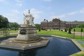 Londres celebra Bicentenario de la reina Victoria
