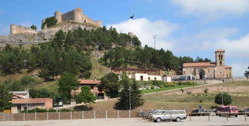 Iglesia de Santa Cecilia vista desde el aparcamiento