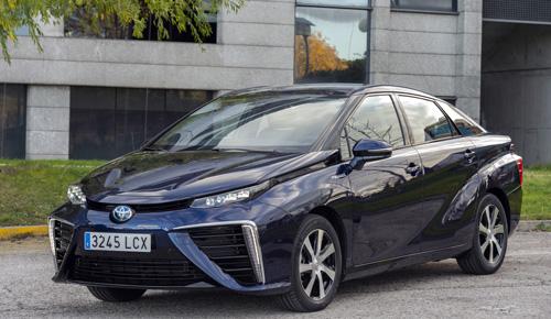 Vista delantera del Toyota Mirai Fuel Cell