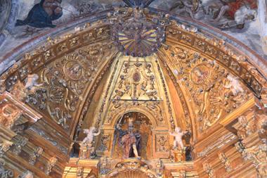 Cascarón del retablo antes de ser restaurado