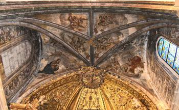 Detalle de los frescos pintados en la bóveda