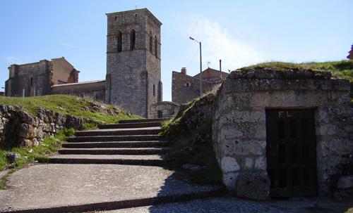 Iglesia y Bodegas de Villaescusa de Roa
