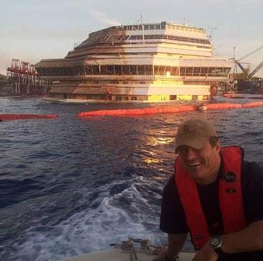 Moisés Pires en el reflotamiento del Costa Concordia