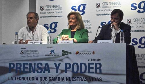 De izquierda a derecha de la imagen: Graciano Palomo, Fátima Báñez y Andrés Dulanto