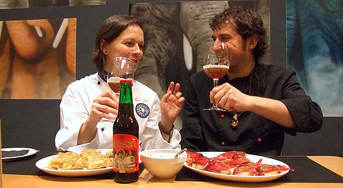 Fotografías: Javier Marqués | El Chef Aitor Castañeda, junto a Merche Abad