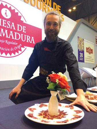 Carlos Sánchez González cortador de jamón