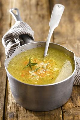 Hacer crema con verduras de la sopa