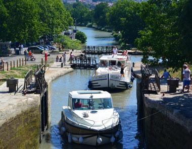 Navegar por el Canal du Midi