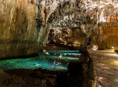 Cueva de Valporquero. El lago azul