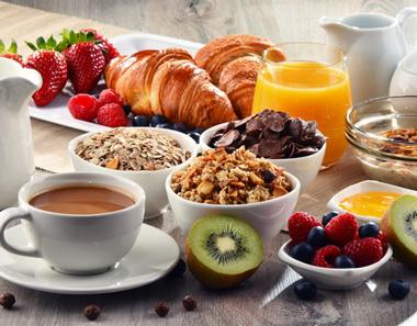 Los castellanoleoneses son los que más bollería consumen para desayunar