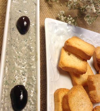 Paté de anchoas y aceitunas negras