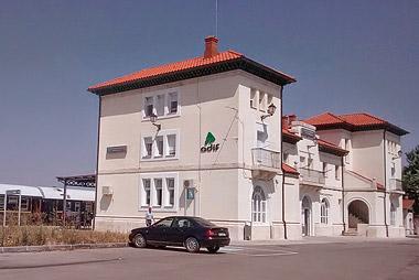 Fotografía: Javier Marqués | Edificio de la estación de Aranda de Duero-Montecillo