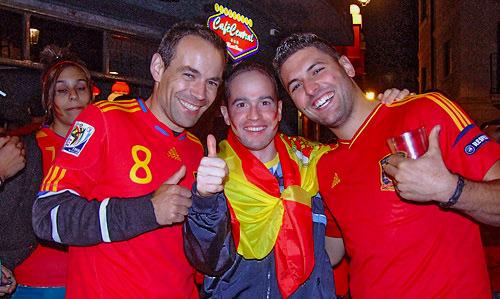 Fotografía: J.Marqués | La afición arandina celebra el triunfo en la Eurocopa