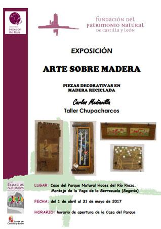 Exposición de piezas decorativas en madera reciclada.