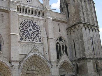 Basílica catedral de San Pedro de Poitiers