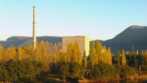Vista exterior de Garoña a comienzos de otoño