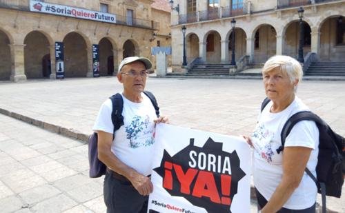 Juan Antonio y Caty caminarán 115 kilómetros para reclamar la finalización de la Autovía del Duero