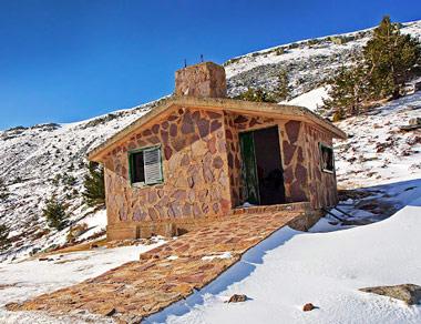 Refugio entre las Lagunas Negra y Larga
