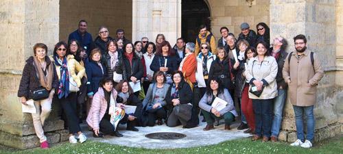 En cuclillas en el centro, Pilar Rodríguez de las Eras y Mª José Zaparaín