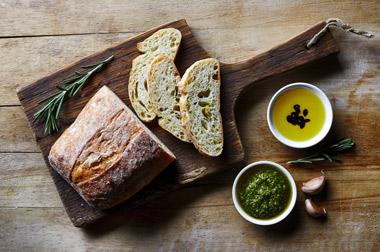 Bajo consumo de pan pese a su importancia en la dieta mediterránea