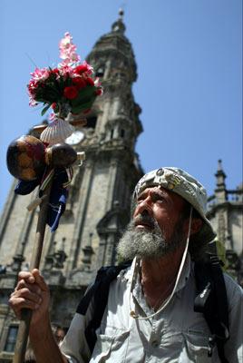 Peregrino en la Catedral. Turismo de Santiago