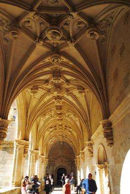 Claustro del Monasterio de San Zoilo; hoy hotel de lujo