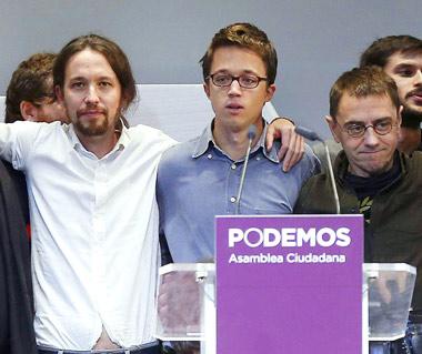 El líder de Podemos, Pablo Iglesias, junto a Juan Carlos Monedero e Iñigo Errejón
