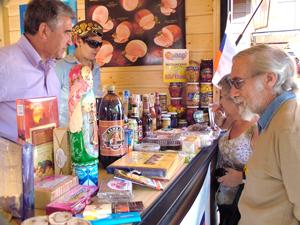 puestorus09 Fiesta Multicultural en Aranda de Duero: Color y Sabor