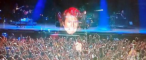 Raphael durante su multitudinaria  actuación
