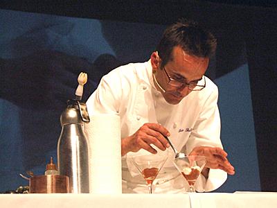 Luis Salinero en el Show Cooking del 2009. Fotografía J. Marqués