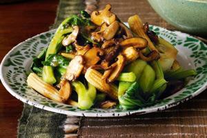 Salteado de verduras y setas