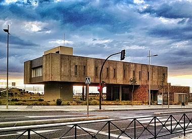 """Fotografía Merche Abad: El controvertido edificio """"Tomás Pascual sigue generando titulares."""