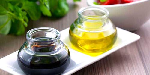 Aceite y vinagre para elaborar vinagreta