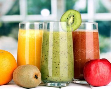 El zumo ayuda a prevenir la deshidratación en verano